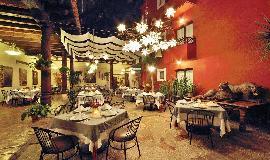 Hotel  Misión Grand